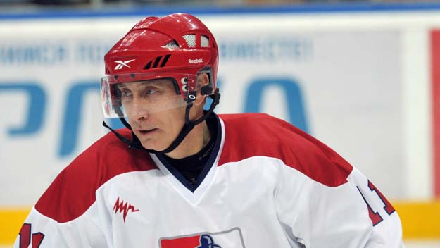 Watch Vladimir Putin Scores 7 Goals In Birthday Ice Hockey Game Cbs Local Sports