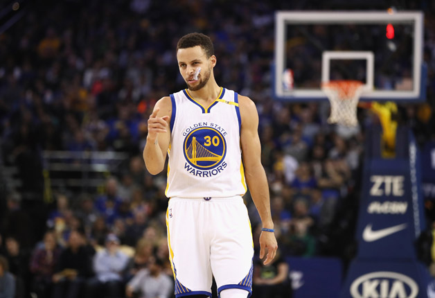 Stephen Curry #30 of the Golden State Warriors reacts against the Miami Heat at ORACLE Arena on January 10, 2017 in Oakland, California.