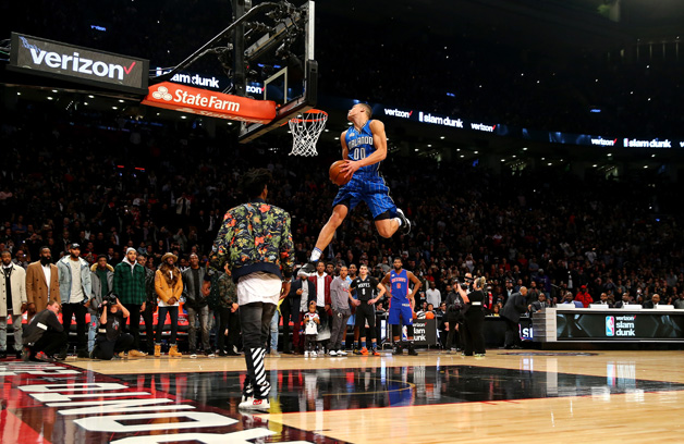 Aaron Gordon of the Orlando Magic dunks on an alley oop from teammate Elfrid Payton in the Verizon Slam Dunk Contest during NBA All-Star Weekend 2016 at Air Canada Centre on February 13, 2016 in Toronto, Canada.