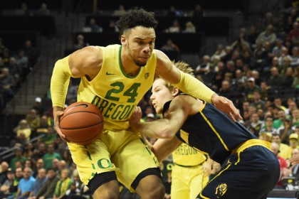 Dillon Brooks #24 of the Oregon Ducks drives to the basket on Grant Mullins #3 of the California Golden Bears in the first half of the game at Matthew Knight Arena on January 19, 2017 in Eugene, Oregon.