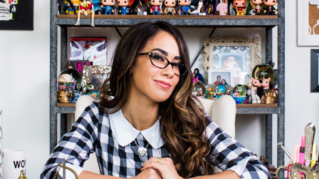 AJ Lee Was A Fighter Long Before WWE – CBS Local Sports