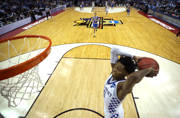 De'Aaron Fox #0 of the Kentucky Wildcats goes up for a dunk in the second half against the UCLA Bruins during the 2017 NCAA Men's Basketball Tournament South Regional at FedExForum on March 24, 2017 in Memphis, Tennessee.