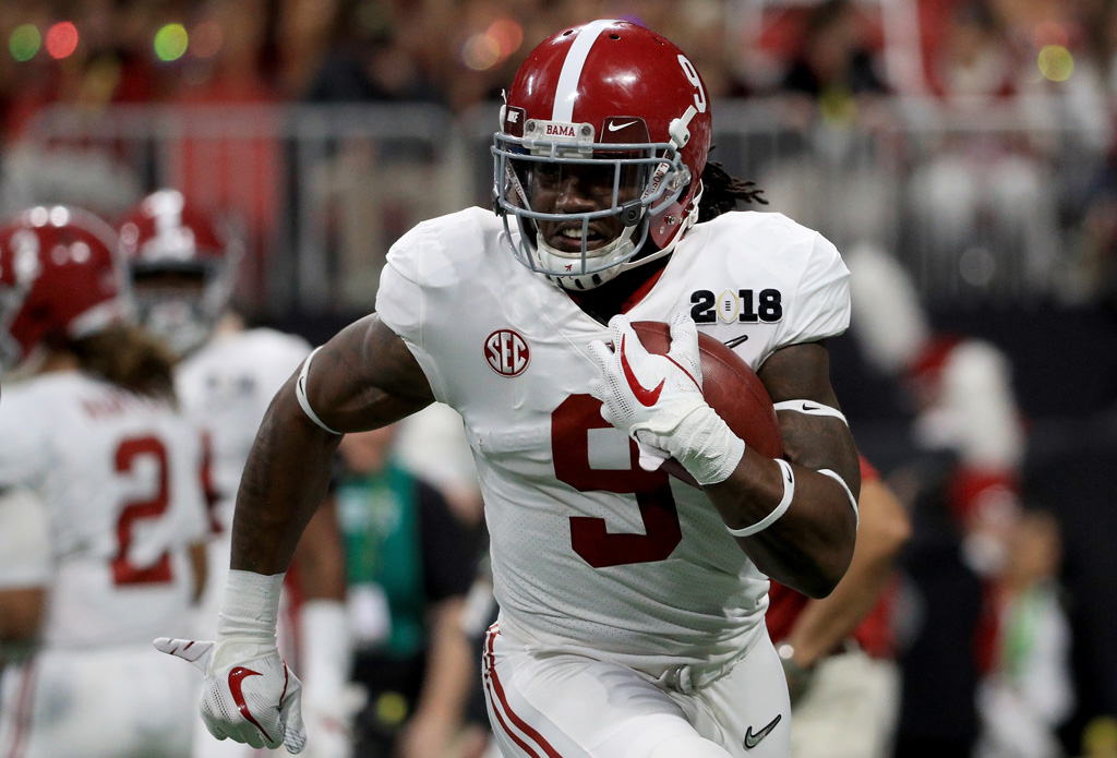 Bo Scarbrough #9 of the Alabama Crimson Tide warms up prior to the game against the Georgia Bulldogs in the CFP National Championship presented by AT&T at Mercedes-Benz Stadium on January 8, 2018 in Atlanta, Georgia.