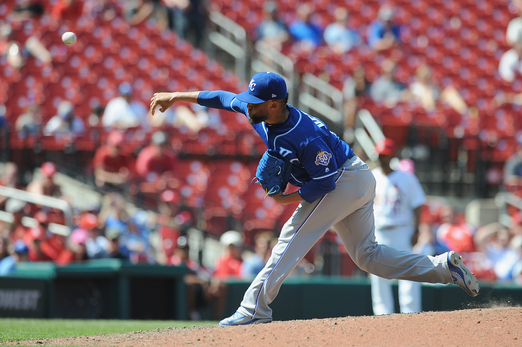 Kelvin Herrera #40 of the Kansas City Royals pitches in the tenth inning against the St. Louis Cardinals at Busch Stadium on May 23, 2018 in St. Louis, Missouri.