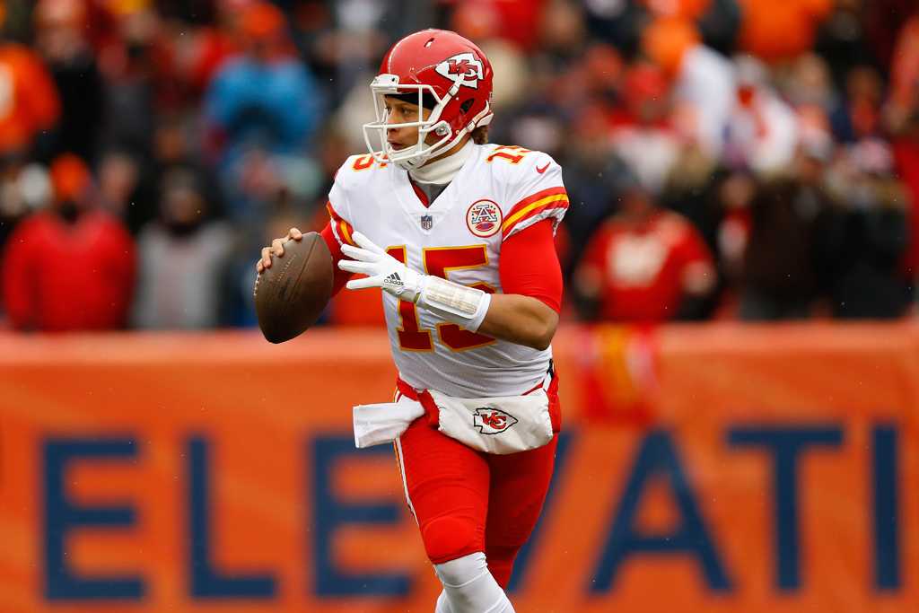 Quarterback Patrick Mahomes #15 of the Kansas City Chiefs looks to pass during the first quarter against the Denver Broncos at Sports Authority Field at Mile High on December 31, 2017 in Denver, Colorado.