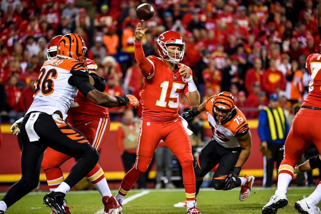 Patrick Mahomes #15 of the Kansas City Chiefs throws a pass during the first quarter of the game against the Cincinnati Bengals at Arrowhead Stadium on October 21, 2018 in Kansas City, Kansas.