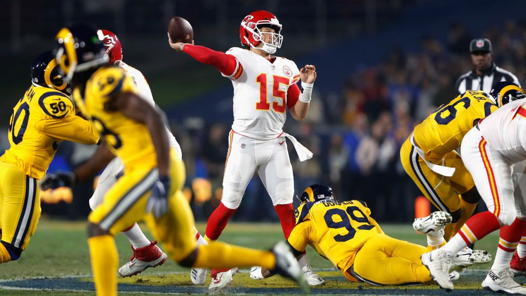 Quarterback Patrick Mahomes #15 of the Kansas City Chiefs passes against the Los Angeles Rams in the second quarter of the game at Los Angeles Memorial Coliseum on November 19, 2018 in Los Angeles, California.